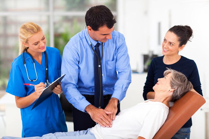 Arzt und RDS Patient - hilfe bei Reizmagensyndrom
